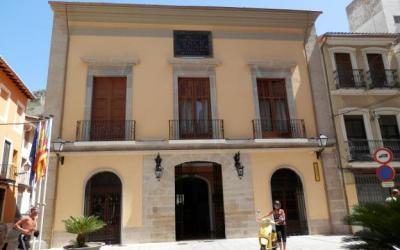 Ayuntamiento de Cullera. Convocatoria y bases 15 plazas de Agente de Policía Local.