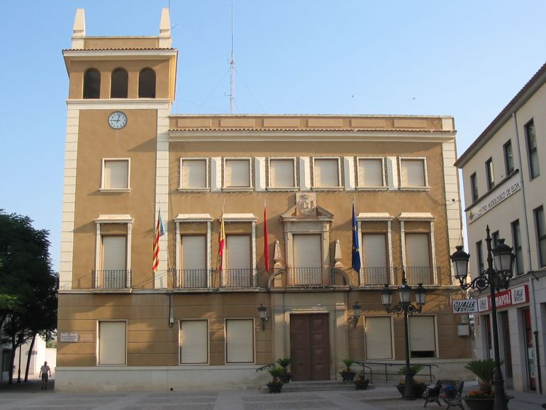 Ayuntamiento de Elda. Bases específicas para proveer 16 plazas de Auxiliar Administrativo, correspondientes a la OEP 2017-2018