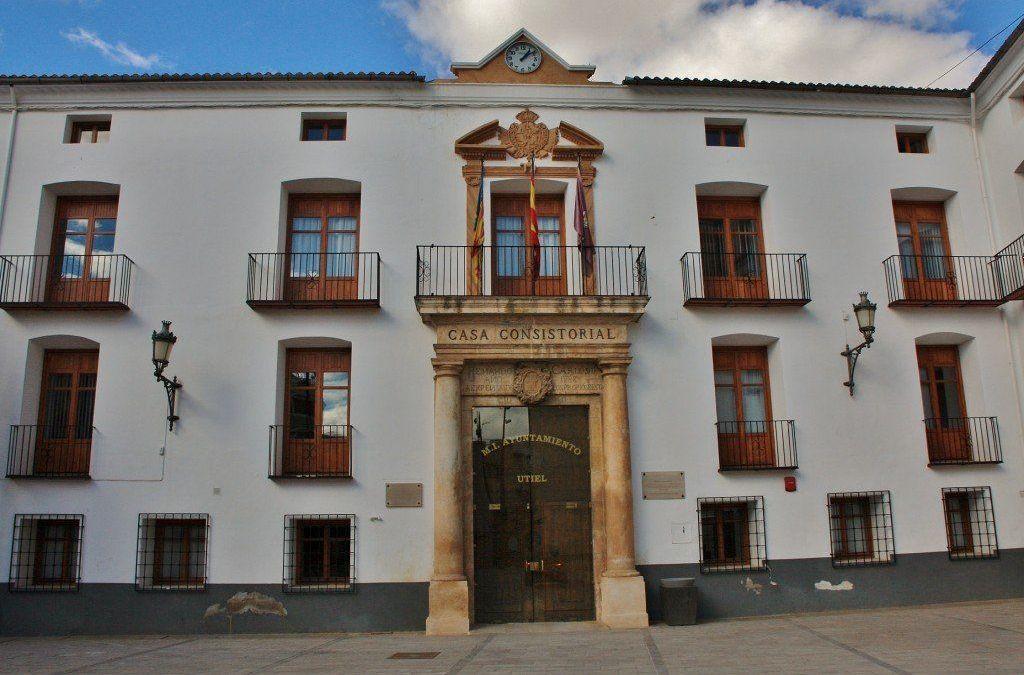 Ayuntamiento de Utiel – Bases y convocatoria para una bolsa temporal de Agentes de Policía Local.