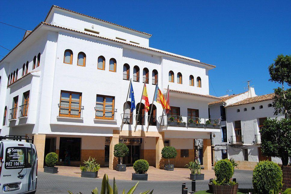 Ayuntamiento La Nucía – Base convocatoria de 12 plazas de Policía Local – concurso oposición por consolidación. Publicación BOE. Presentación instancias.