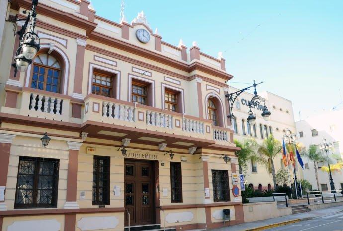 Ayuntamiento de La Pobla de Vallbona. Bases y convocatoria de una plaza de Auxiliar Administrativo OEP 2019.