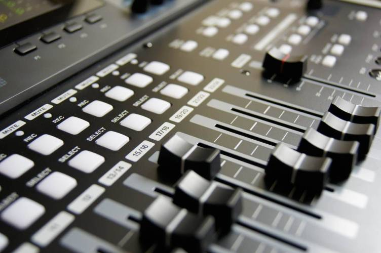 mixing-table-mixing-music-musician-159206-compressed