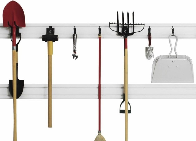 storaging fencing euqipment racks