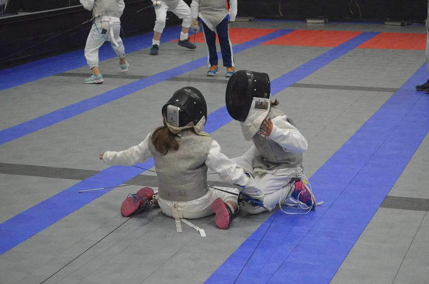 What Age Should My Child Start Fencing? - Academy of Fencing