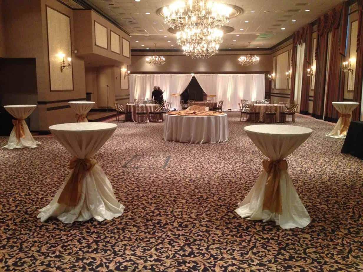 Pipe and Drape Backdrop Rental Cincinnati_Room Divider