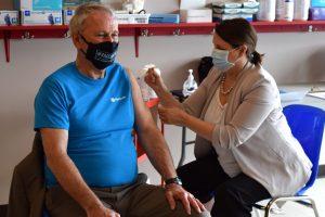 Vaccination: à 67% vendredi, le N.-B. se rapproche lentement de la cible