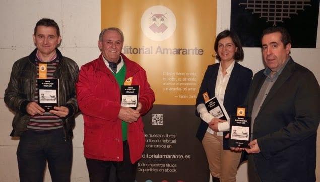 Nuestra directora de publicaciones Cristina Magrazó arropando a los autores de Amarante. Reseña de la presentación del libro de Zoilo Gascón