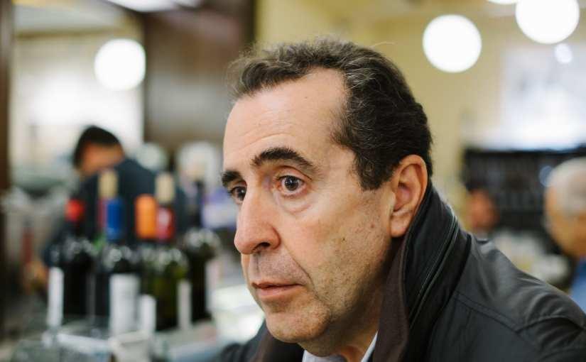 """""""Vidas en el margen"""": Carlos de Tomás regresa con su mejor prosa"""