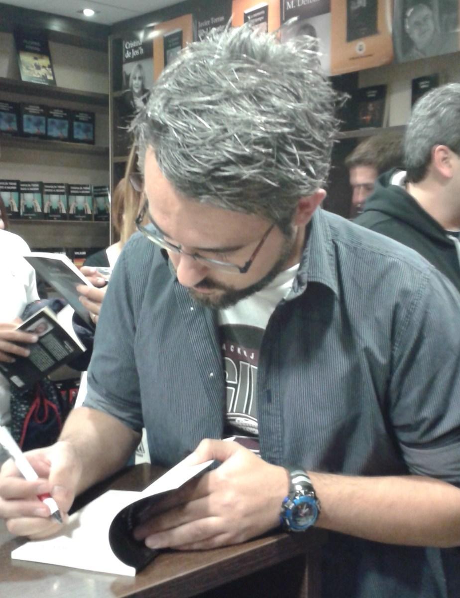 Tarde de poesía con Gustavo Orihuela