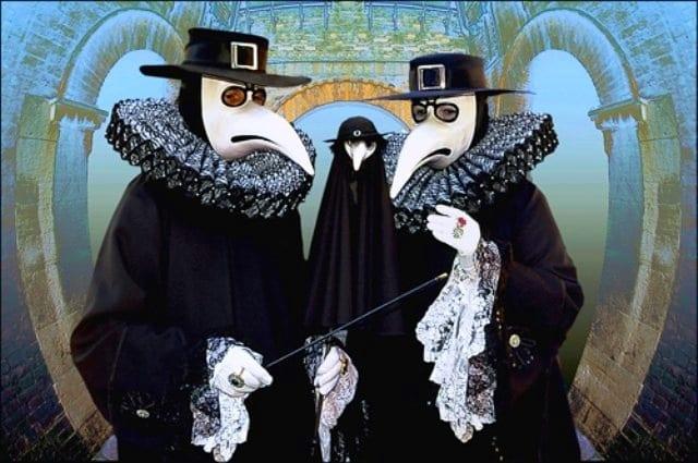 Este tipo de máscaras eran utilizadas por los médicos para evitar el contagio con escasa eficacia.