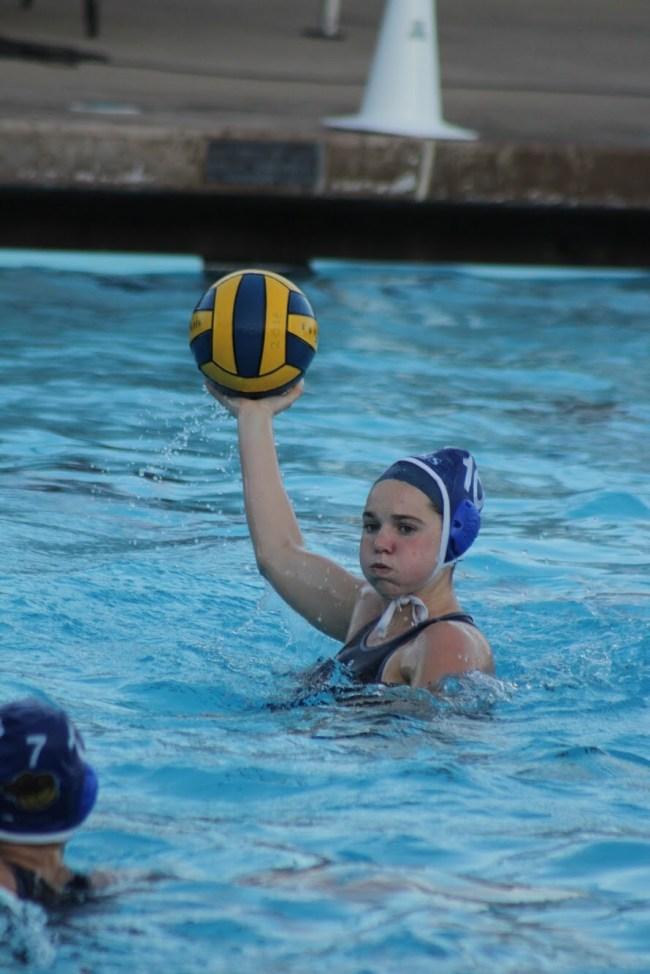 Women's Water Polo Rolls Through NCS Semifinals