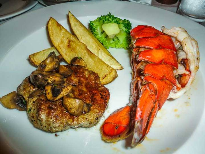 Bife com lagosta, surf and turf