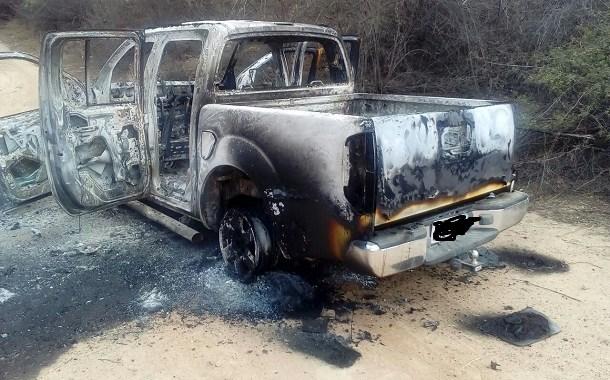Veículo encontrado queimado na Zona Rural de Petrolina pode ter sido usado em assalto a carro forte na Bahia