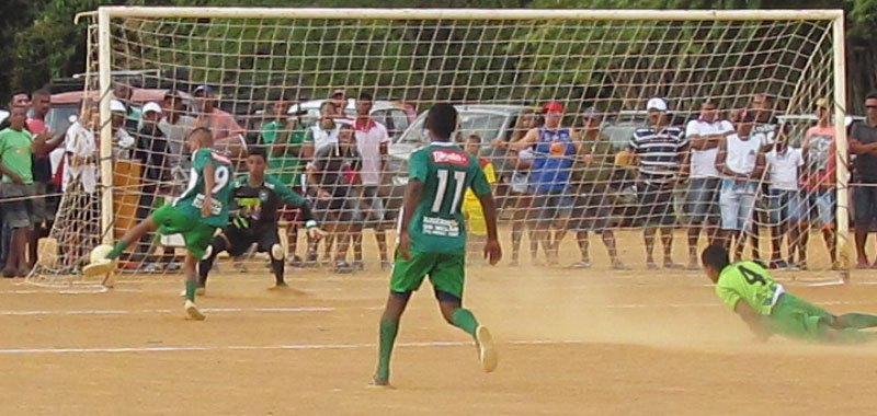 Junco vence Carnaíba com goleada histórica e garante vaga na semifinal do Interdistrital