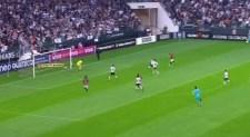 Vitória marca no início e quebra invencibilidade do Corinthians no Brasileirão