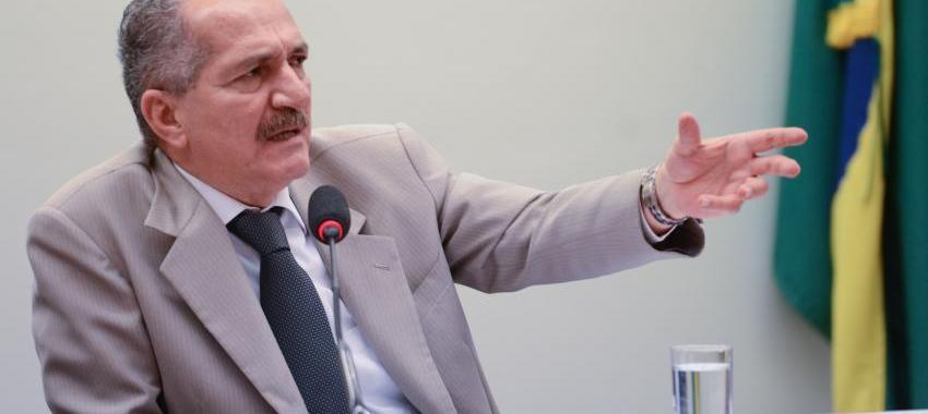 Filiando-se ao PSB, Aldo Rebelo tem tudo para virar vice do PSDB