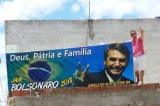 Justiça manda retirar outdoor na Bahia