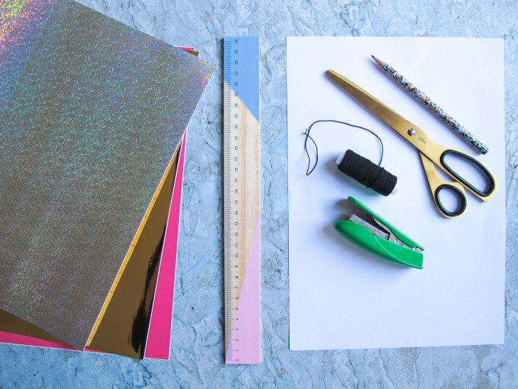 DIY // Réaliser des mini-couronnes de Noël // How to make mini christmas crowns // A Cardboard Dream blog