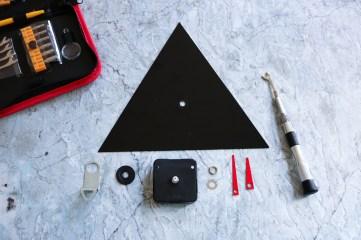 DIY // Comment réaliser une horloge inspiration années 90 // How to make a 90s clock // A Cardboard Dream blog