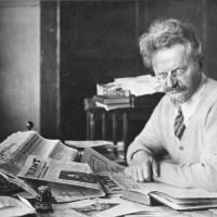 A PAIXÃO SEGUNDO A REVOLUÇÃO: Leon Trótski (1879 - 1940) biografado por Paulo Leminski (1944 - 1989)