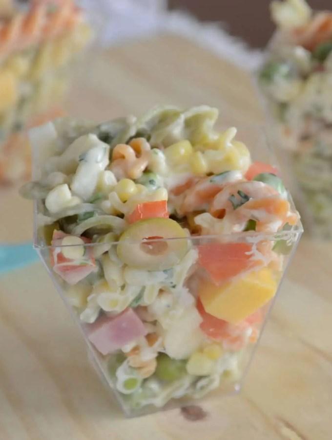 Salada de macarrão no potinho