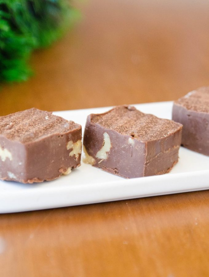 Fudge de chocolate e nozes