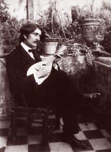 Pluschow, Wilhelm von, nella villa di Wilhelm von Gloeden(1856-1931) a Taormina nel 1890 ca