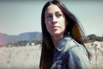 Alanis Morissette's Manager Admits He Stole $5 Million
