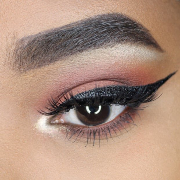 winged liner 4