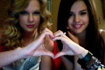 taylor swift and selena gomez 1