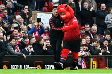 Ole Gunnar Solskjaer and united mascot