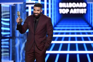 Drake at billboard awards
