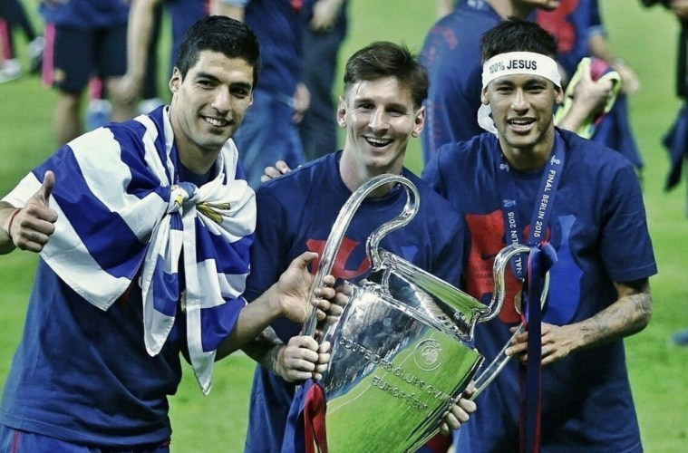 Messi Suarez and Neymar with UCL trophy