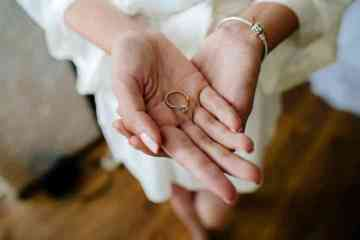 t10_2x_engagement-ring