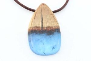 Artesanía Bejarano colgante-madera-y-azul-1-300x200 NAVIDAD EN MERCADO DE MOTORES, 14 - 15 DE DICIEMBRE Noticias