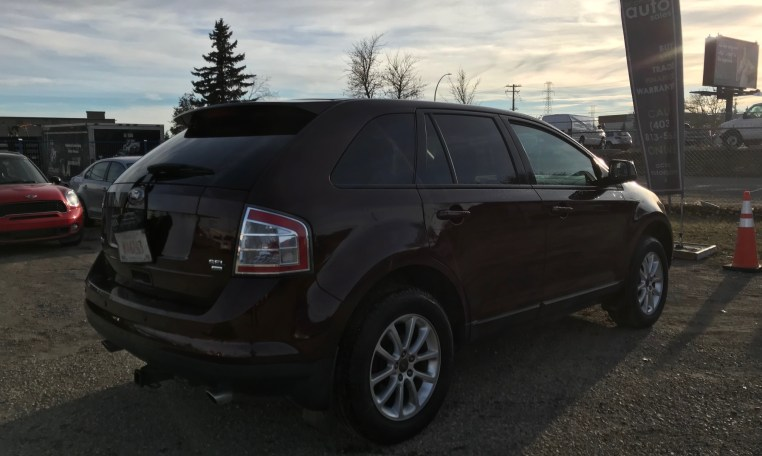 rear hatch and side view of 2010 ford edge