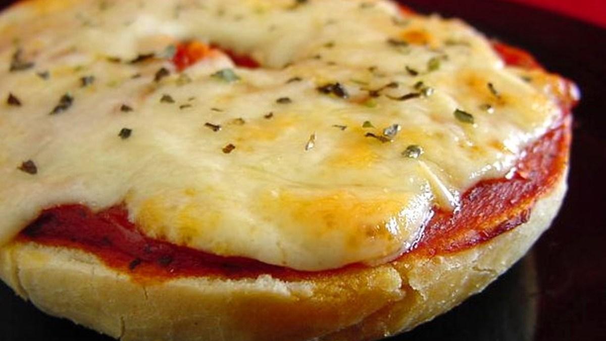 mini pizza bagel
