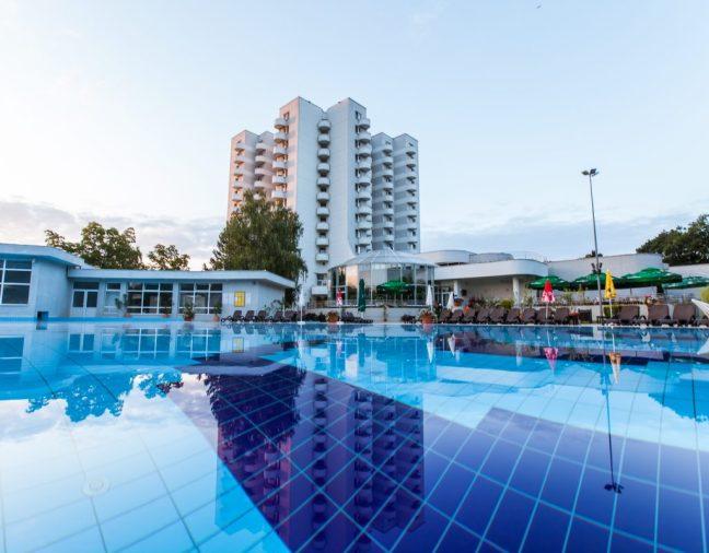 Outside pool hotel international baile felix romania