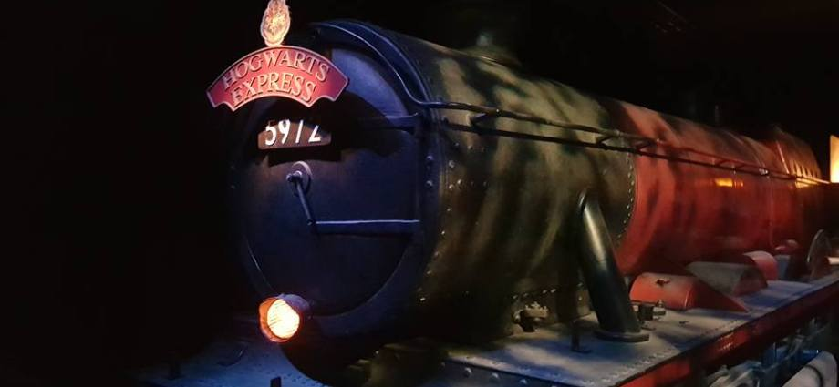 hogwarts express harry potter