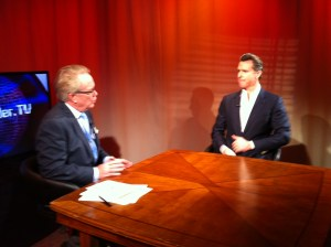 TechLeader.TV host John Thomas Flynn (left) with CA Lt. Governor Gavin Newsom at Access Sacramento