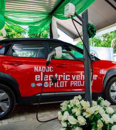 The Federal Government has commissioned the first solar-powered electric vehicle charging station at the University of Lagos.