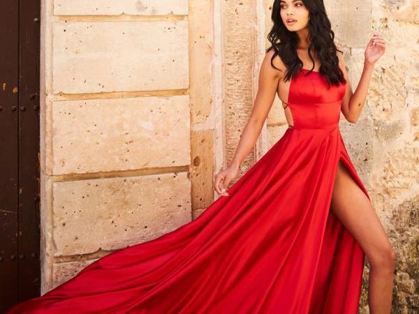 5 Mother-Daughter Tips For Shopping For Prom Early