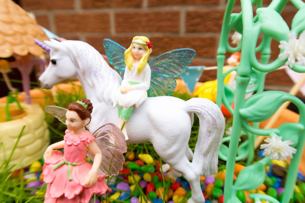 My Fairy Garden: Unicorn Garden Review