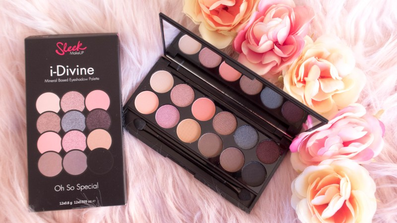 Oh So Special Palette palette opened, box and flower hairband