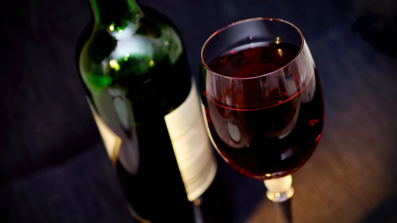How a glass of wine contributes to good Health?
