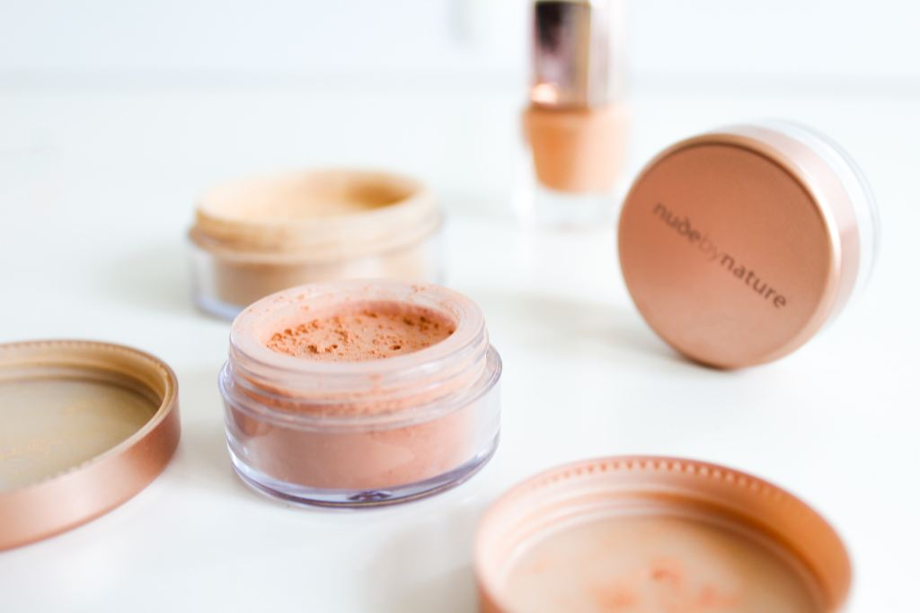How to Apply Foundation Using Sponge the Right Way