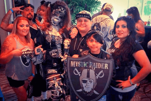 Sports-raiders-fan-convention-south-2015-1