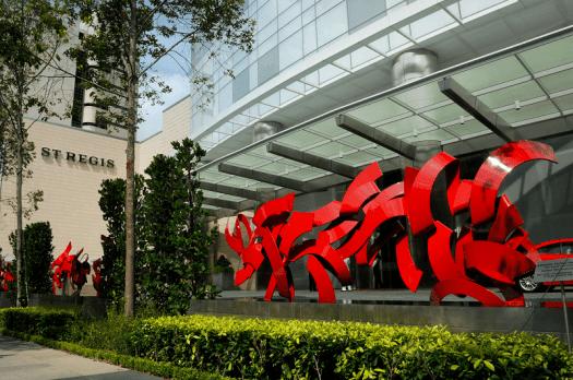 Singapore-hotel-sculpture