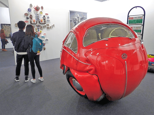 Image-of-Beetle-VW-sculpture-at-Art-Central-Hong-Kong