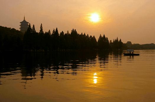 Image-of-New-China-Travel-Destination-hangzhou-west-lake-lei-feng-pagoda-Jakub-Halun
